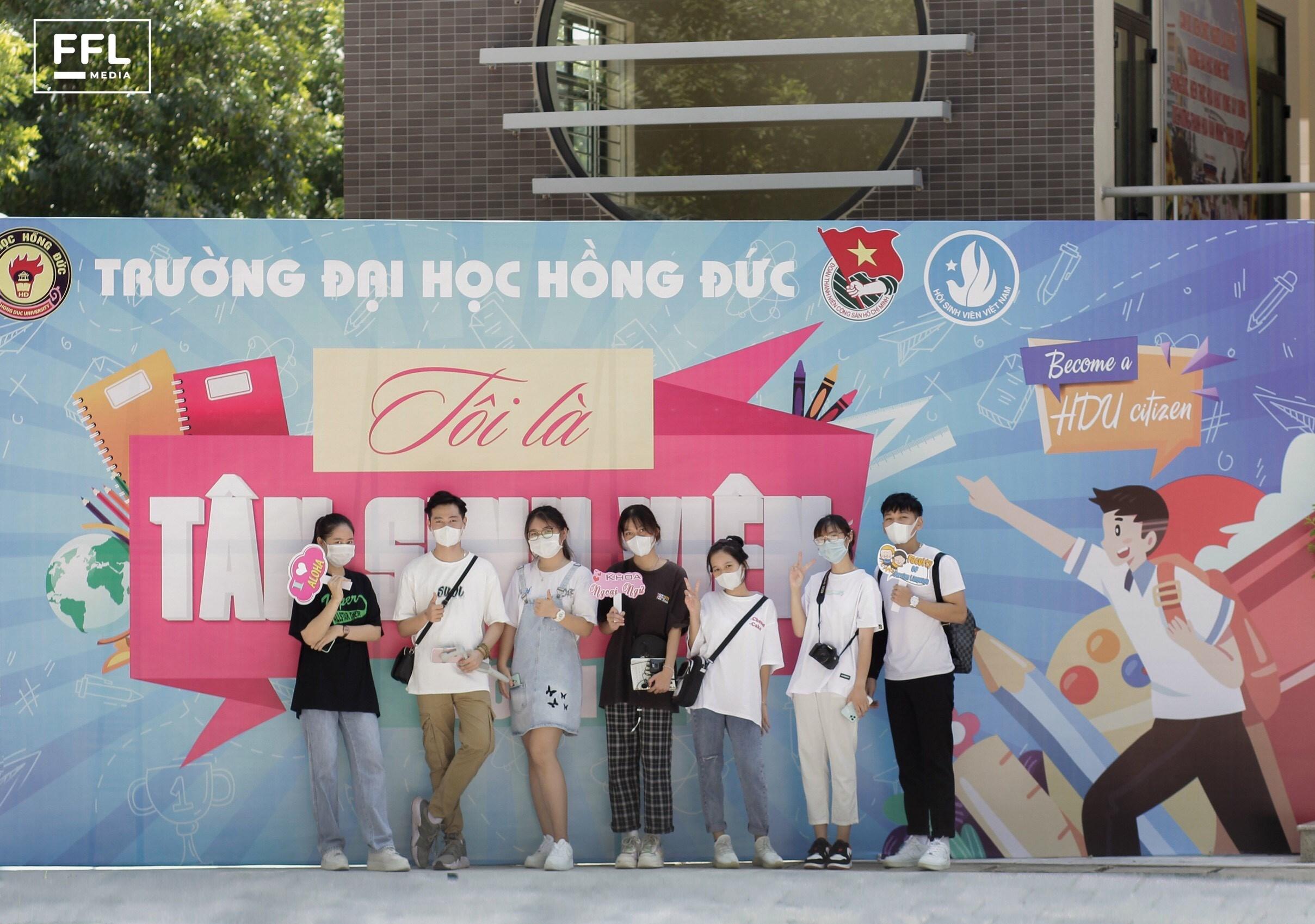 Những ngày đầu nhập học cho sinh viên K24 Khoa Ngoại Ngữ - Trường Đại Học Hồng Đức