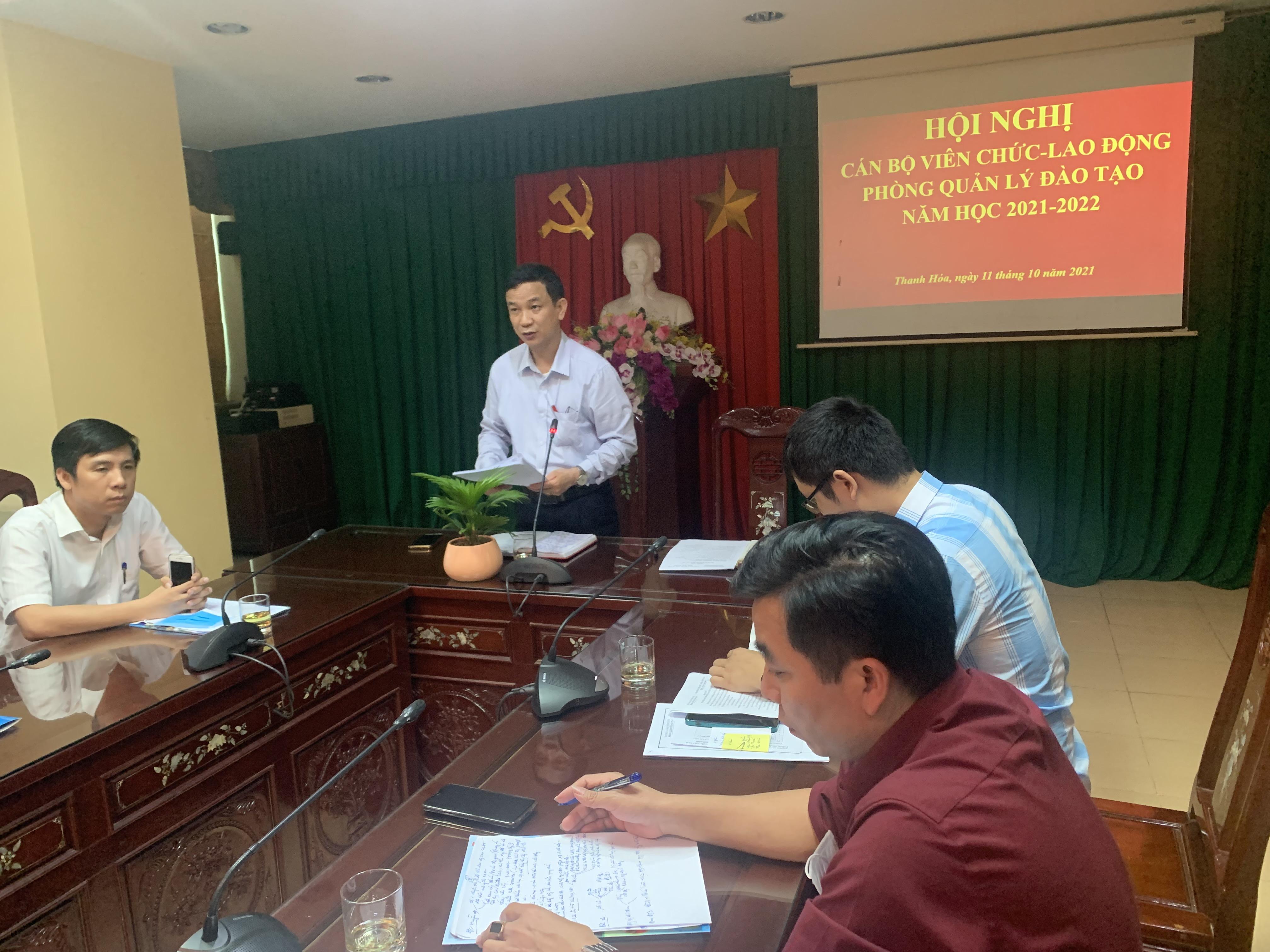 Hội nghị CBVC-LĐ phòng QLĐT năm học 2021-2022